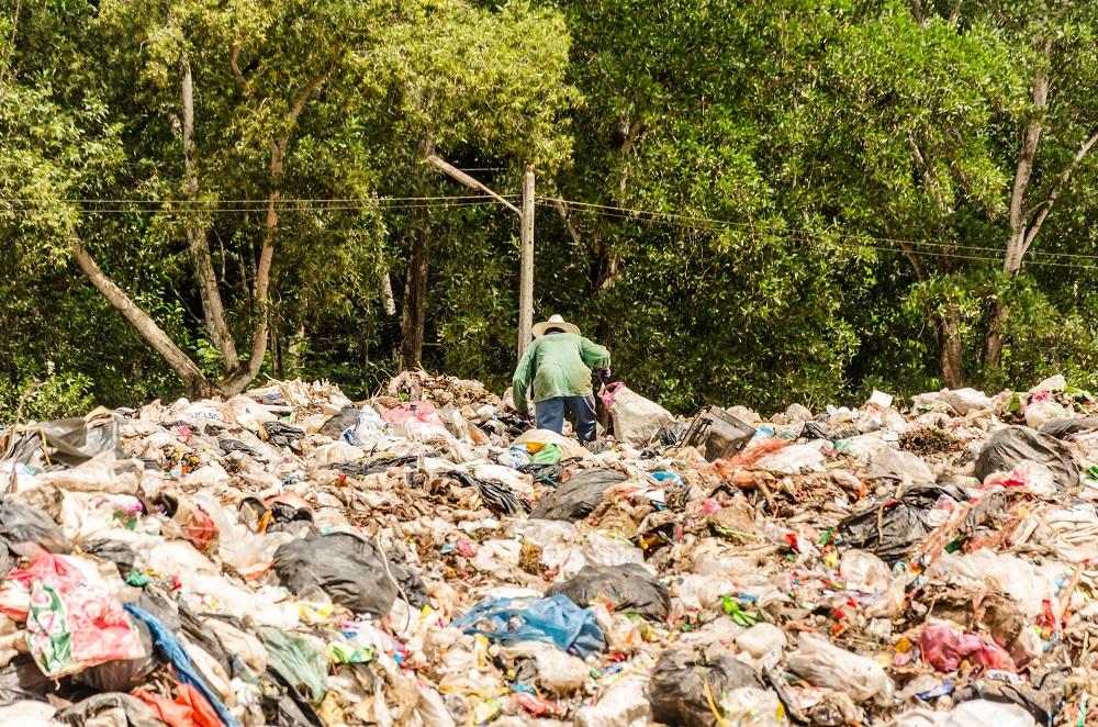 Více než 87 % Čechů vnímá velké množství odpadů jako závažný enviromentální problém.